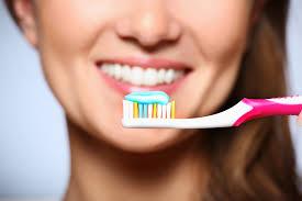 brush-teeth-avoid-root-canal-dentist-01